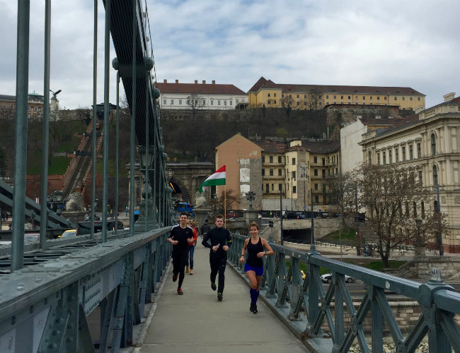 RUN TO DISCOVER Budapest. RUN MY CITY guide by Csilla Fazekas.