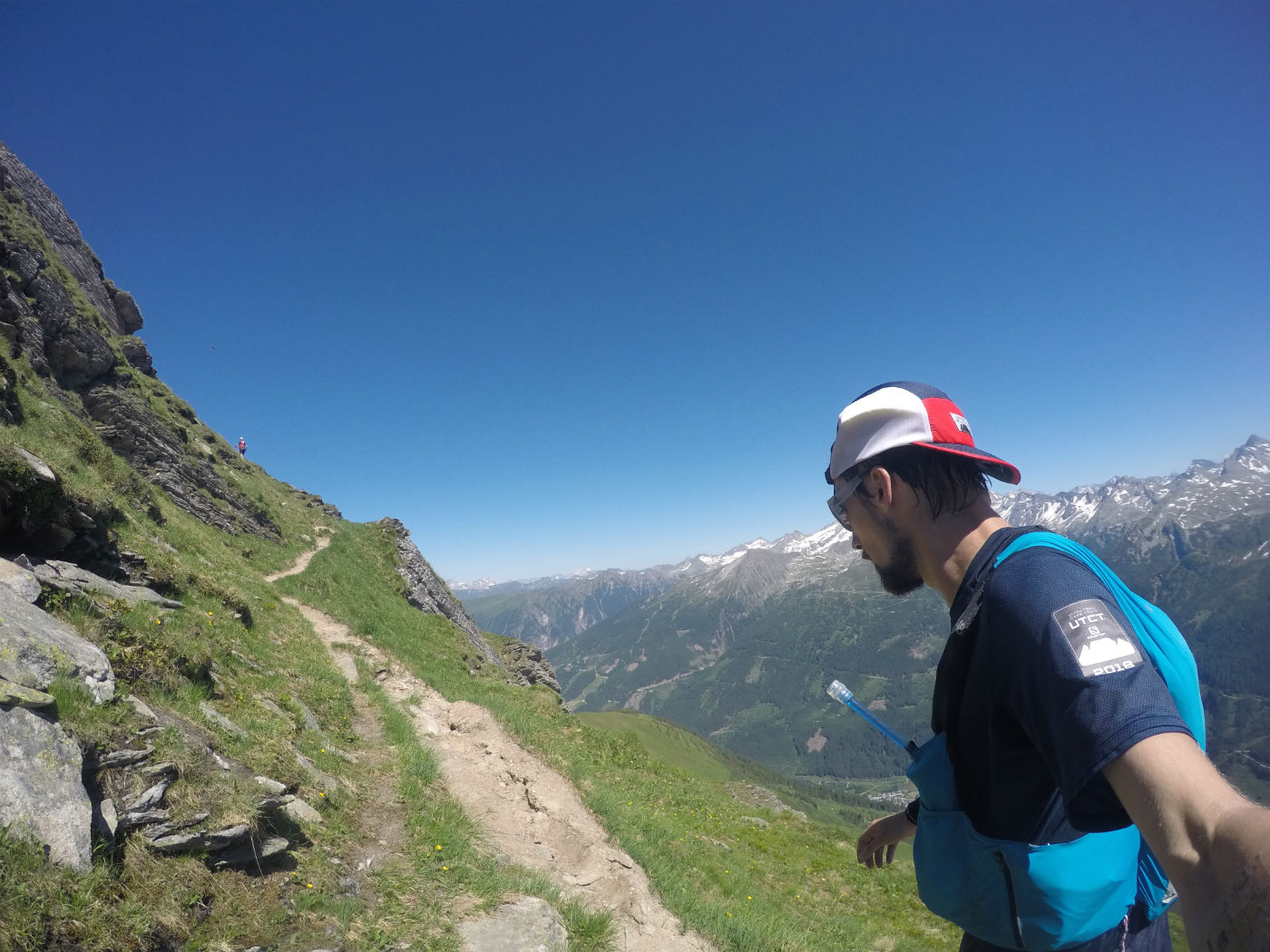 Chasing the red backpack up to Zitterauer Tisch